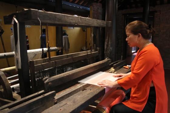 """Tìm giải pháp """"cứu"""" nghề ươm tơ, dệt lụa truyền thống Quảng Nam  ảnh 2"""