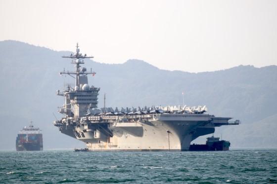 Tận mắt chiêm ngưỡng tàu sân bay USS Carl Vinson tại Đà Nẵng ảnh 15