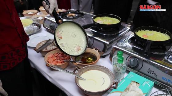 Hải quân Mỹ tập làm món ăn Việt Nam ảnh 10
