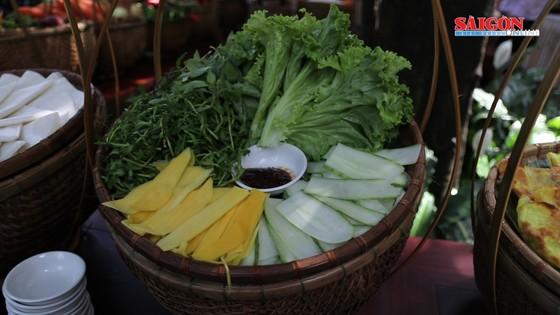 Hải quân Mỹ tập làm món ăn Việt Nam ảnh 7
