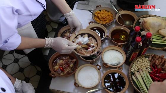 Hải quân Mỹ tập làm món ăn Việt Nam ảnh 5