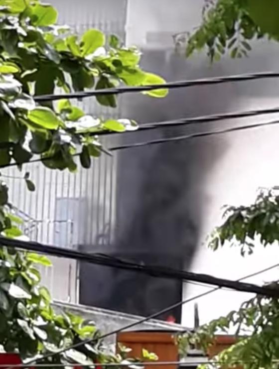 Đà Nẵng: Cháy chung cư F.Home, hàng trăm người dân chạy toán loạn  ảnh 1