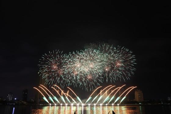 Bầu trời Đà Nẵng rực rỡ pháo hoa  ảnh 18
