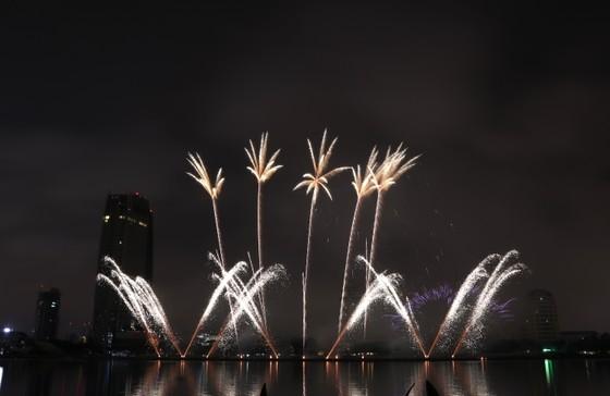 Bầu trời Đà Nẵng rực rỡ pháo hoa  ảnh 31