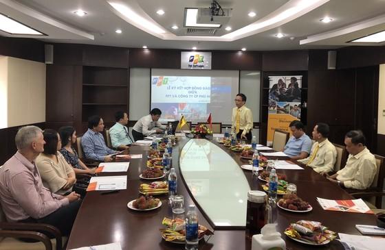 Đà Nẵng: FPT dạy tiếng Anh giao tiếp cho lái xe taxi Tiên Sa  ảnh 1