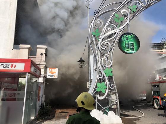 Cháy dữ dội ở quán bar giữa trung tâm TP Đà Nẵng  ảnh 9