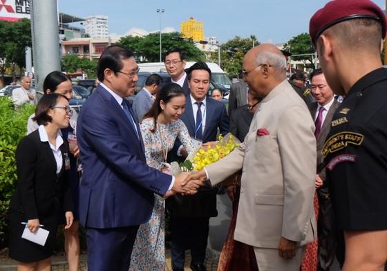 Tổng thống Ấn Độ và Phu nhân thăm bảo tàng điêu khắc Chăm Đà Nẵng và Di tích Mỹ Sơn ảnh 1