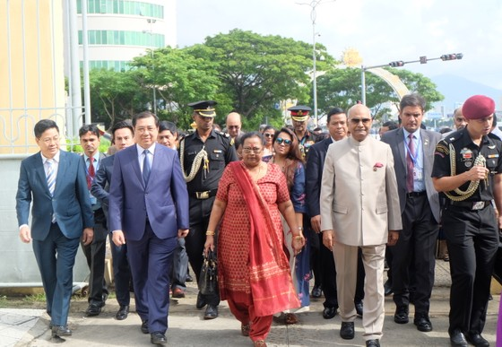 Tổng thống Ấn Độ và Phu nhân thăm bảo tàng điêu khắc Chăm Đà Nẵng và Di tích Mỹ Sơn ảnh 2