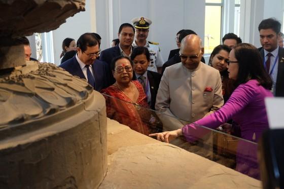 Tổng thống Ấn Độ và Phu nhân thăm bảo tàng điêu khắc Chăm Đà Nẵng và Di tích Mỹ Sơn ảnh 3
