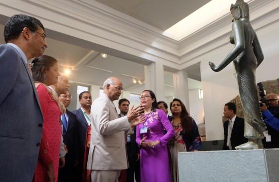Tổng thống Ấn Độ và Phu nhân thăm bảo tàng điêu khắc Chăm Đà Nẵng và Di tích Mỹ Sơn ảnh 5