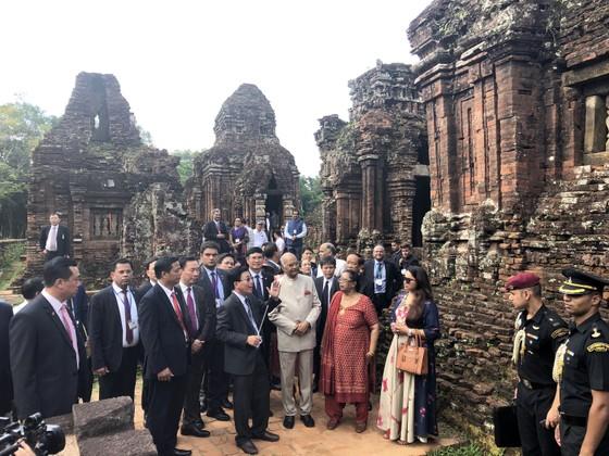 Tổng thống Ấn Độ và Phu nhân thăm bảo tàng điêu khắc Chăm Đà Nẵng và Di tích Mỹ Sơn ảnh 10