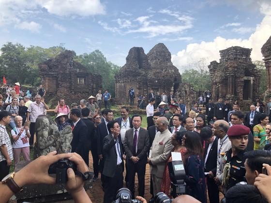 Tổng thống Ấn Độ và Phu nhân thăm bảo tàng điêu khắc Chăm Đà Nẵng và Di tích Mỹ Sơn ảnh 11