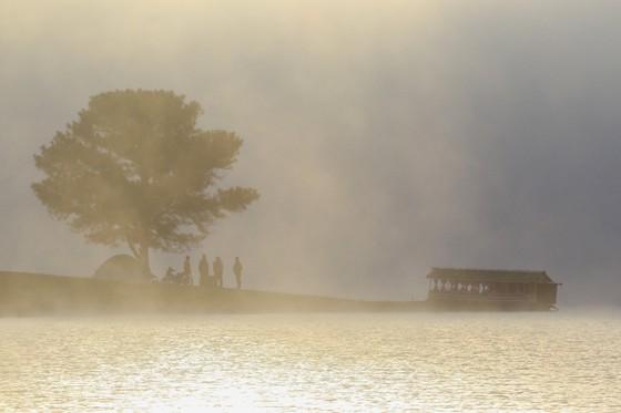 """Xử lý các hoạt động du lịch """"chui"""" tại hồ Suối Vàng -  Đà Lạt ảnh 1"""