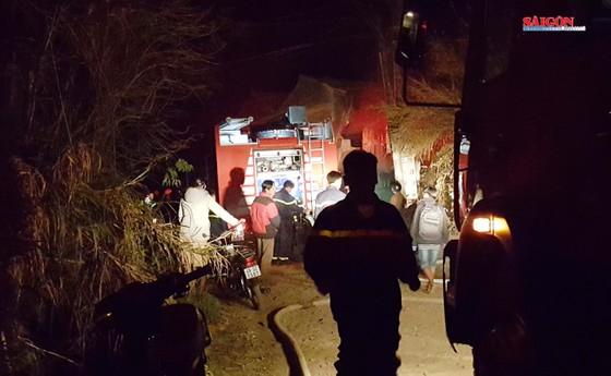 VIDEO: Cứu 5 cháu nhỏ khỏi vụ hỏa hoạn ở Đà Lạt ảnh 1