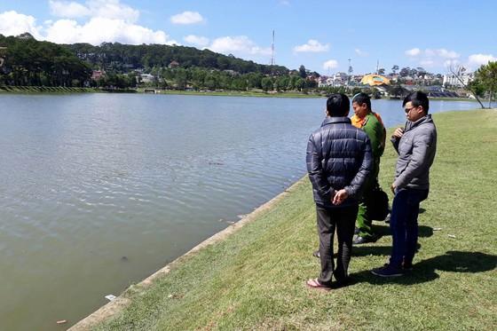 Phát hiện thi thể người đàn ông dưới hồ Xuân Hương - Đà Lạt ảnh 1
