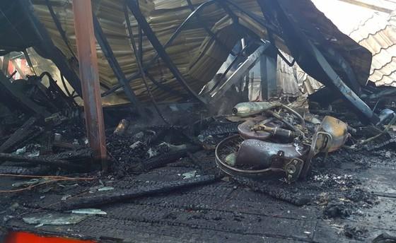Cháy lớn thiêu rụi quán cà phê xe cổ ở Đà Lạt ảnh 4