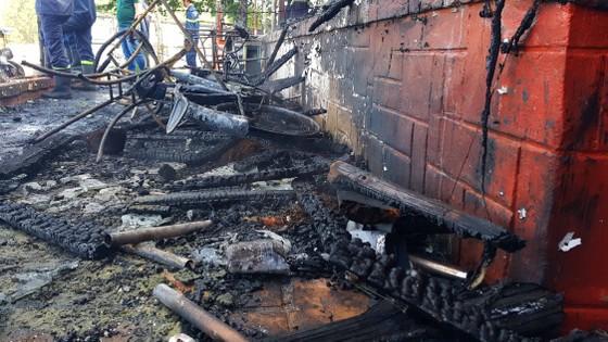 Cháy lớn thiêu rụi quán cà phê xe cổ ở Đà Lạt ảnh 6