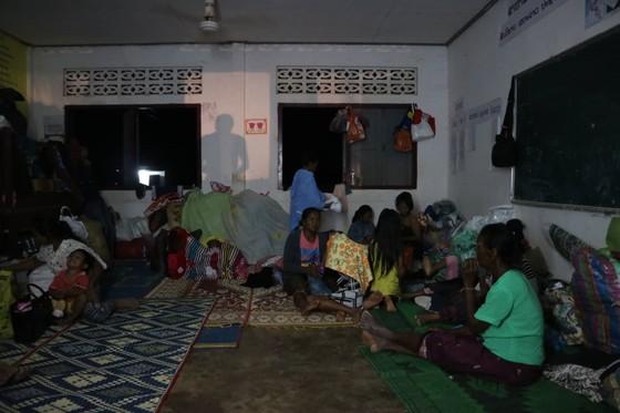 Cùng dân bản Hồ Coong, nơi bị ảnh hưởng nặng nề vì vỡ đập thủy điện Lào ảnh 8