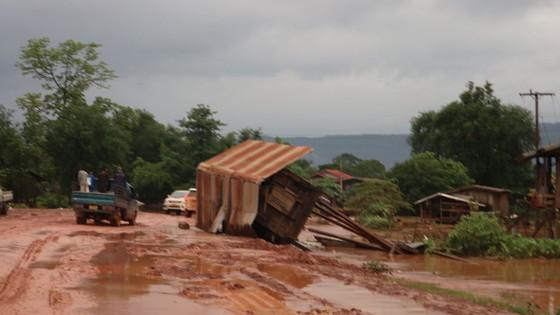 PV Báo SGGP ghi nhận tình hình cứu hộ người bị nạn vụ vỡ đập tại Lào ảnh 12