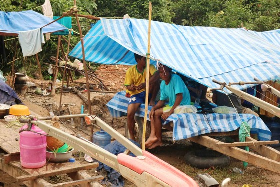 Sau 6 ngày, hiện trường nơi vỡ đập thủy điện ở Lào vẫn ngổn ngang ảnh 11