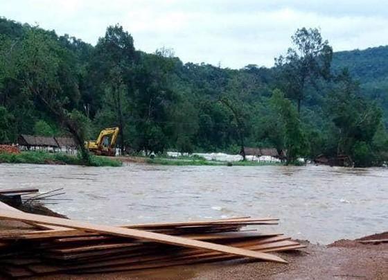 Sau 6 ngày, hiện trường nơi vỡ đập thủy điện ở Lào vẫn ngổn ngang ảnh 5