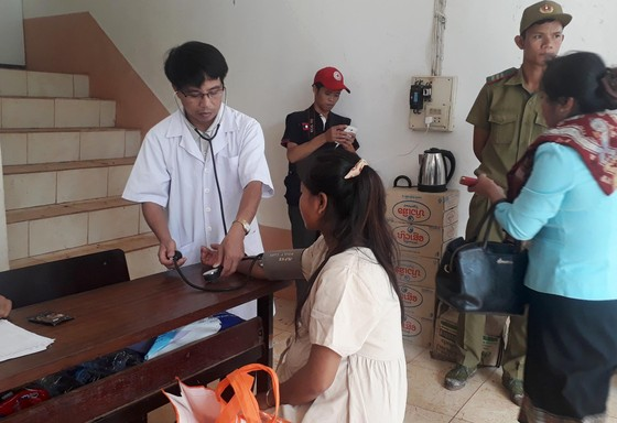 Quân đội tập trung tìm kiếm nạn nhân mất tích vụ vỡ đập thủy điện ở Lào ảnh 4