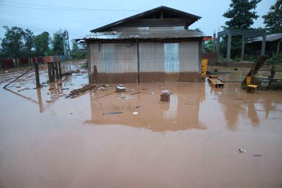 Bản làng xơ xác sau vụ vỡ đập thủy điện ở Lào ảnh 5
