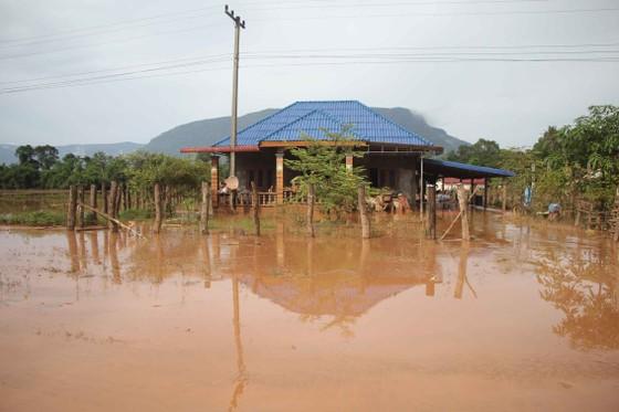 Bản làng xơ xác sau vụ vỡ đập thủy điện ở Lào ảnh 6