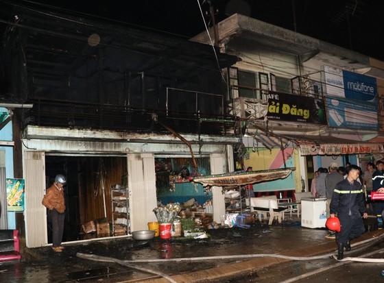 Hỏa hoạn thiêu rụi 2 căn nhà gần ga Trại Mát - Đà Lạt ảnh 1