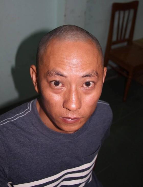 Chân dung 2 kẻ cướp ngân hàng tại Khánh Hòa ảnh 1