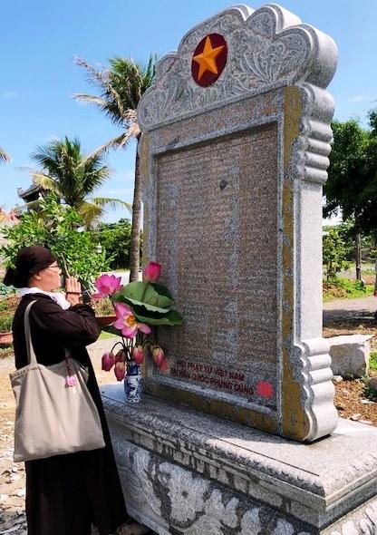Tiếp nhận Bia tưởng niệm ghi danh chiến sĩ Gạc Ma và anh hùng Phan Vinh ảnh 2
