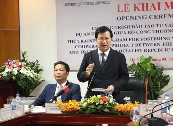 Samsung bắt đầu đào tạo 200 chuyên gia giúp Việt Nam  ảnh 1