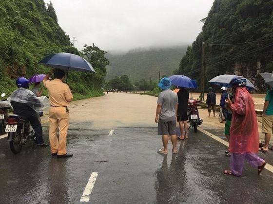 Đến sang nay, 19 người chết và mất tích vì mưa lũ ảnh 5