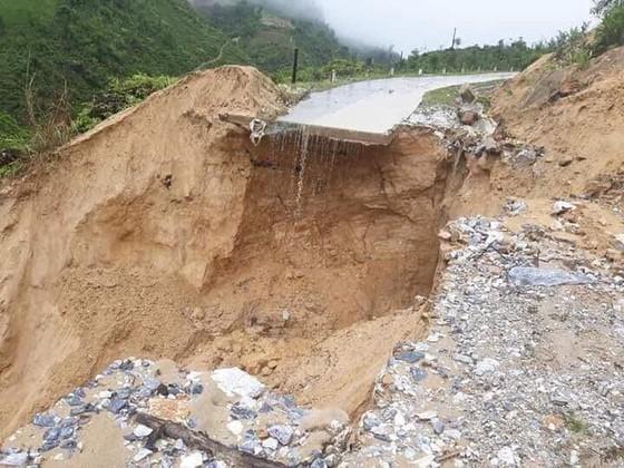 Đến sang nay, 19 người chết và mất tích vì mưa lũ ảnh 2