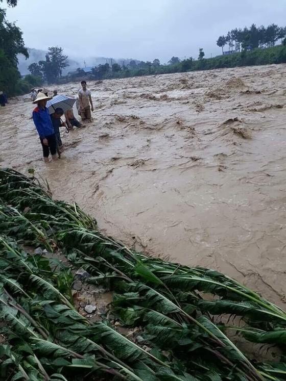 Đến sang nay, 19 người chết và mất tích vì mưa lũ ảnh 4