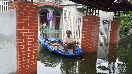 """Hà Nội xuất hiện """"con đường trên biển nước"""" ảnh 9"""