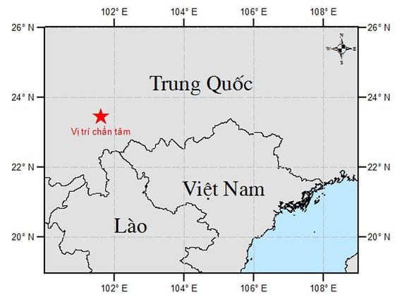 Người dân Hà Nội nhốn nháo vì dư chấn động đất  ảnh 6