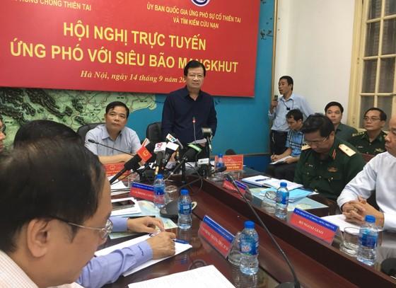 Điều động 44 tàu, 8 máy bay, 400.000 quân chống bão Mangkhut ảnh 1