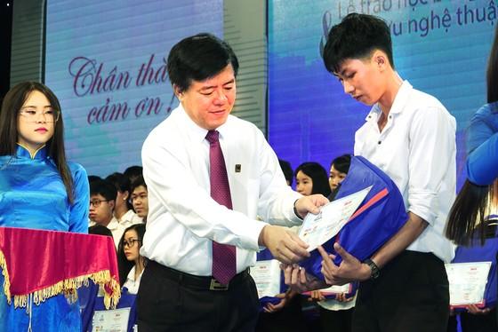 Ông Ngô Văn Đông - Tổng giám đốc Công ty CP phân bón Bình Điền: Ý chí vươn lên của các bạn trẻ đã thôi thúc chúng tôi hành động! ảnh 1