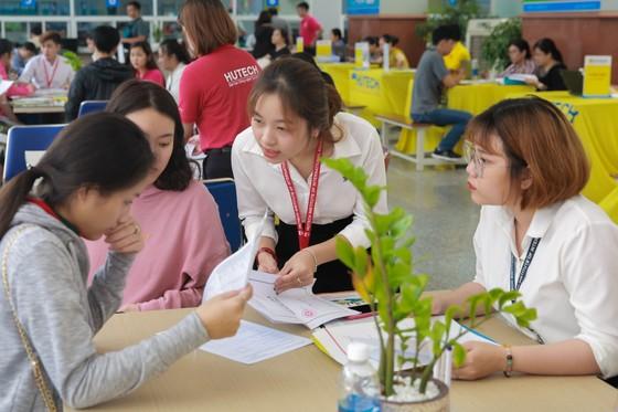 Trường ĐH Công nghệ TPHCM điểm chuẩn từ 16-20 điểm ảnh 1