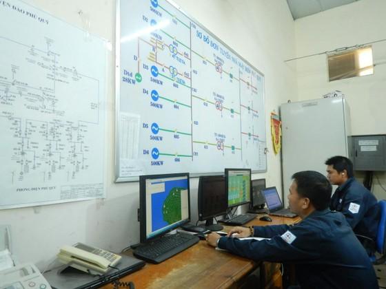 Khám phá cỗ máy cấp điện cho hàng vạn dân trên đảo Phú Quý ảnh 5
