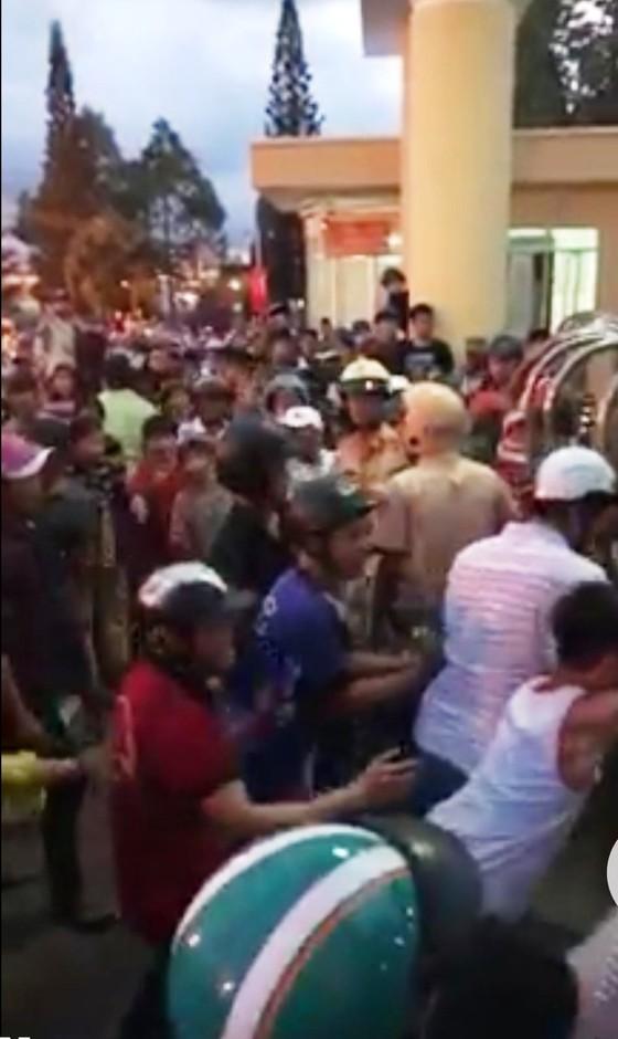 Hơn 100 người được mời làm việc liên quan đến việc gây rối, đập phá trụ sở công quyền ở Bình Thuận ảnh 1