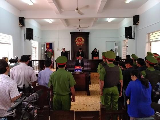 27 năm tù cho 10 bị cáo tham gia gây rối ở Bình Thuận ảnh 1