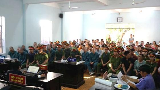 30 bị cáo tham gia gây rối ở Bình Thuận lãnh án ảnh 1