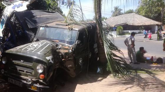 Xe ben đổ dốc mất thắng tông hàng loạt xe ở khu du lịch Mũi Né ảnh 4