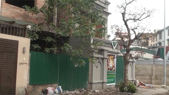 Cảnh biệt thự của gia đình nguyên Cục trưởng C50 bị phá dỡ phần xây trái phép ảnh 1
