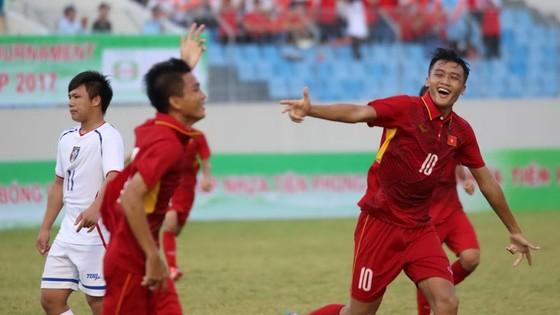 Philippines gây ấn tượng mạnh nhất khi vượt qua Nepal 4-1 và Tajikistan 4-3. Ảnh: T.L