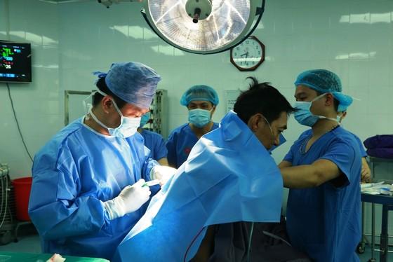Lần đầu tiên Việt Nam ghép phổi thành công từ người cho chết não ảnh 3