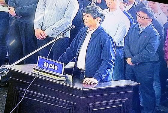 """Bắt đầu xét xử ông Phan Văn Vĩnh và đồng phạm trong """"đại án"""" đánh bạc hàng ngàn tỷ ảnh 8"""