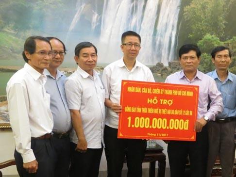 TPHCM hỗ trợ đồng bào vùng lũ Thừa Thiên – Huế và Quảng Trị ảnh 1